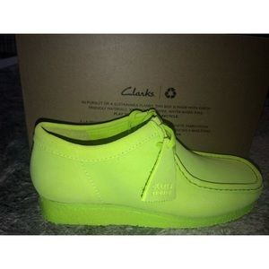 This bright neon original Clark's are a must have!
